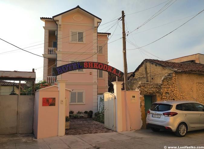 dónde dormir en shkoder albania