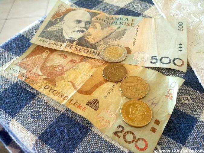 Moneda de Albania dinero