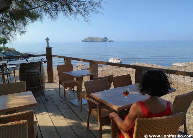 bar-restaurante playa barcaggio cap corse