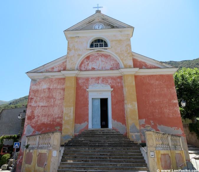 Iglesia de Nonza en Cap Corse Córcega