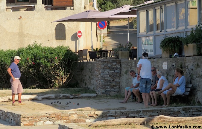 juego de la petanca francia córcega