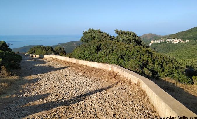 Ruta a Moulin Mattei en Cap Corse en Córcega