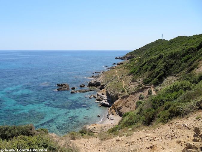 Sendero de los aduaneros en Cap Corse (Córcega)