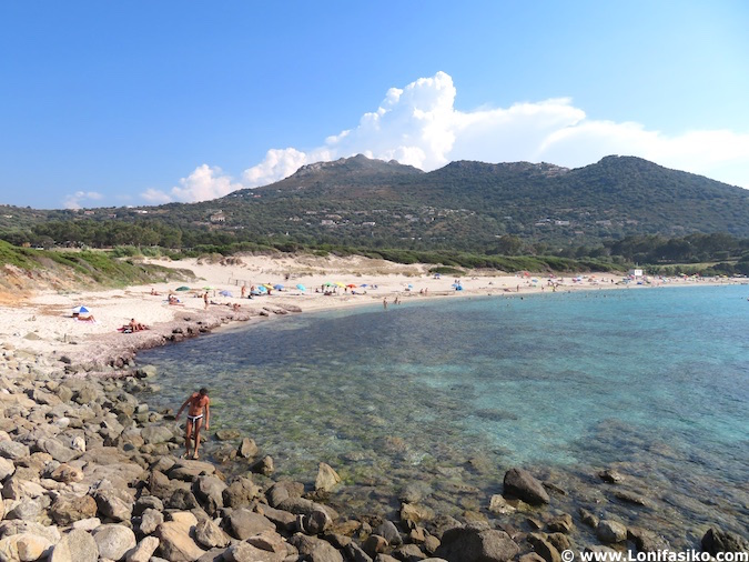 Playa de Bodri en Córcega