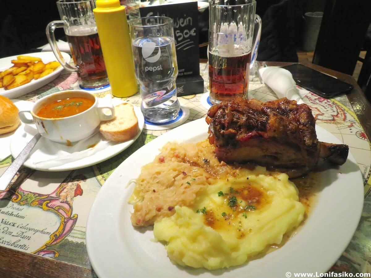 Schweine Janes: mejor codillo en Düsseldorf