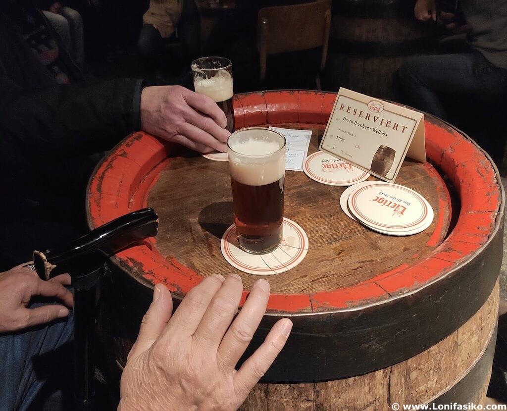 Altbier cerveza típica de Düsseldorf Uerige