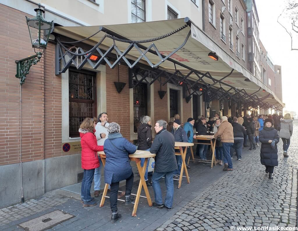 Cervecería Uerige en Düsseldorf Alemania