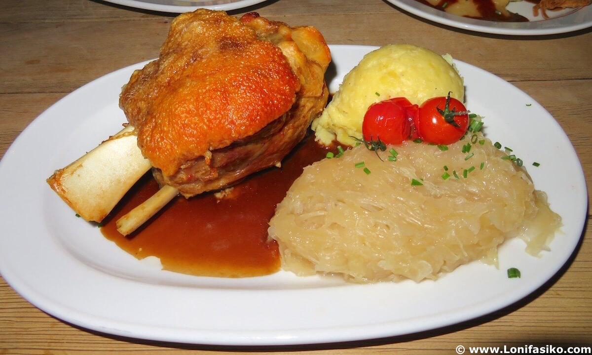 Dónde comer en Düsseldorf codillo de cerdo