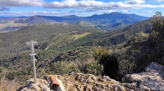 Ruta a la Cruz de Motrico, senderismo en los Montes Obarenes