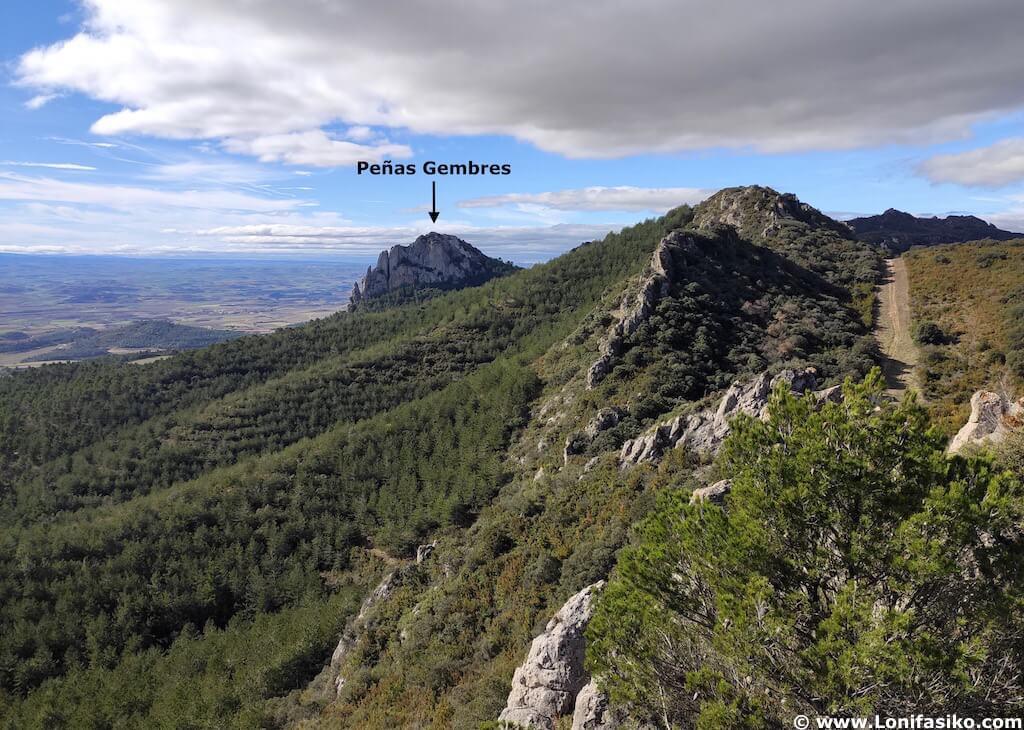 Peñas Gembres desde el Balcon de La Rioja