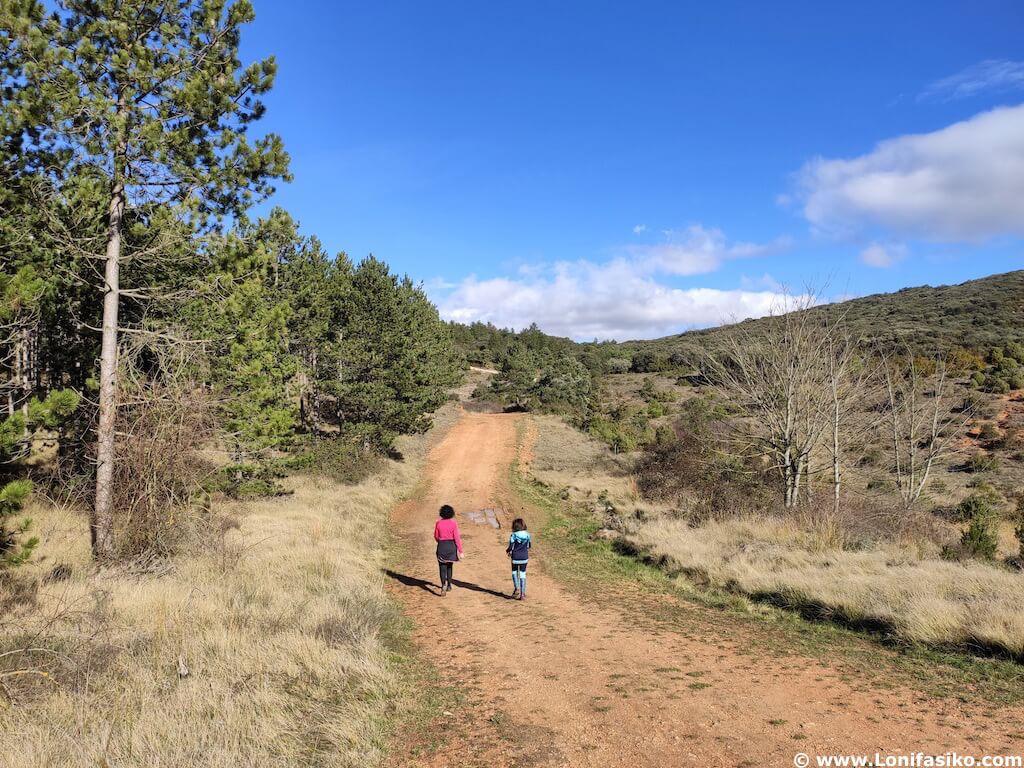 ruta cruz de motrico con niños montes obarenes