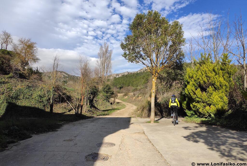 ruta cruz de motrico desde villalba de rioja