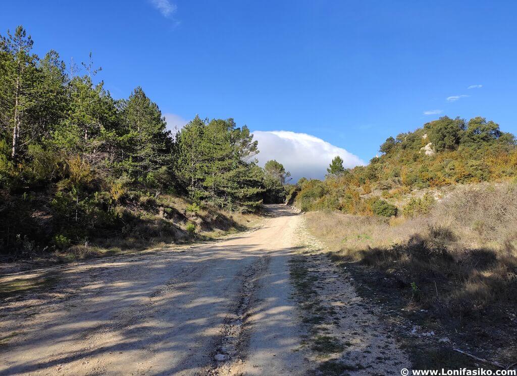 rutas de senderismo en montes obarenes