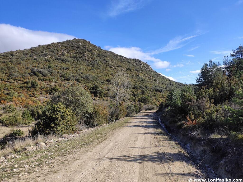 senderismo en montes obarenes