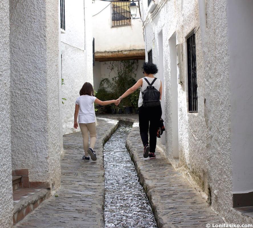 Alpujarra con niños Pampaneira Granada