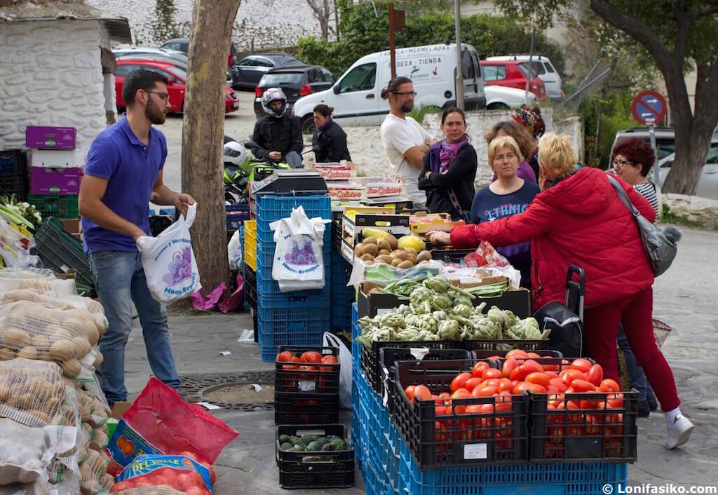 Pampaneira mercado Alpujarra Granada