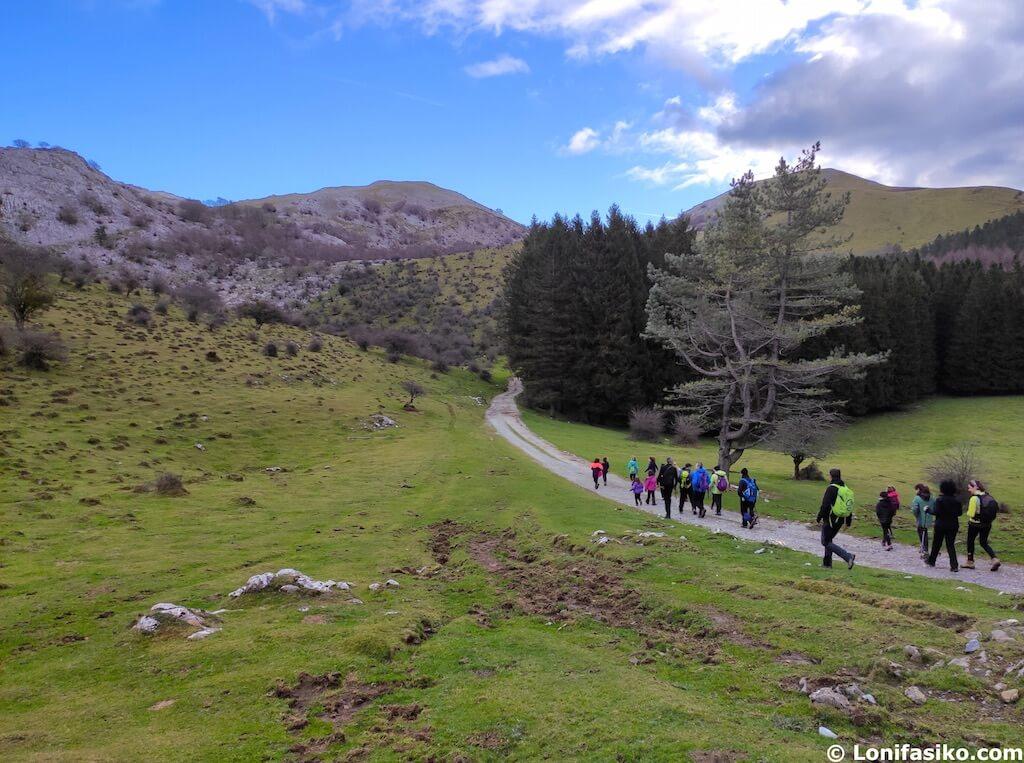 rutas de senderismo en el Parque Natural Aizkorri-Aratz
