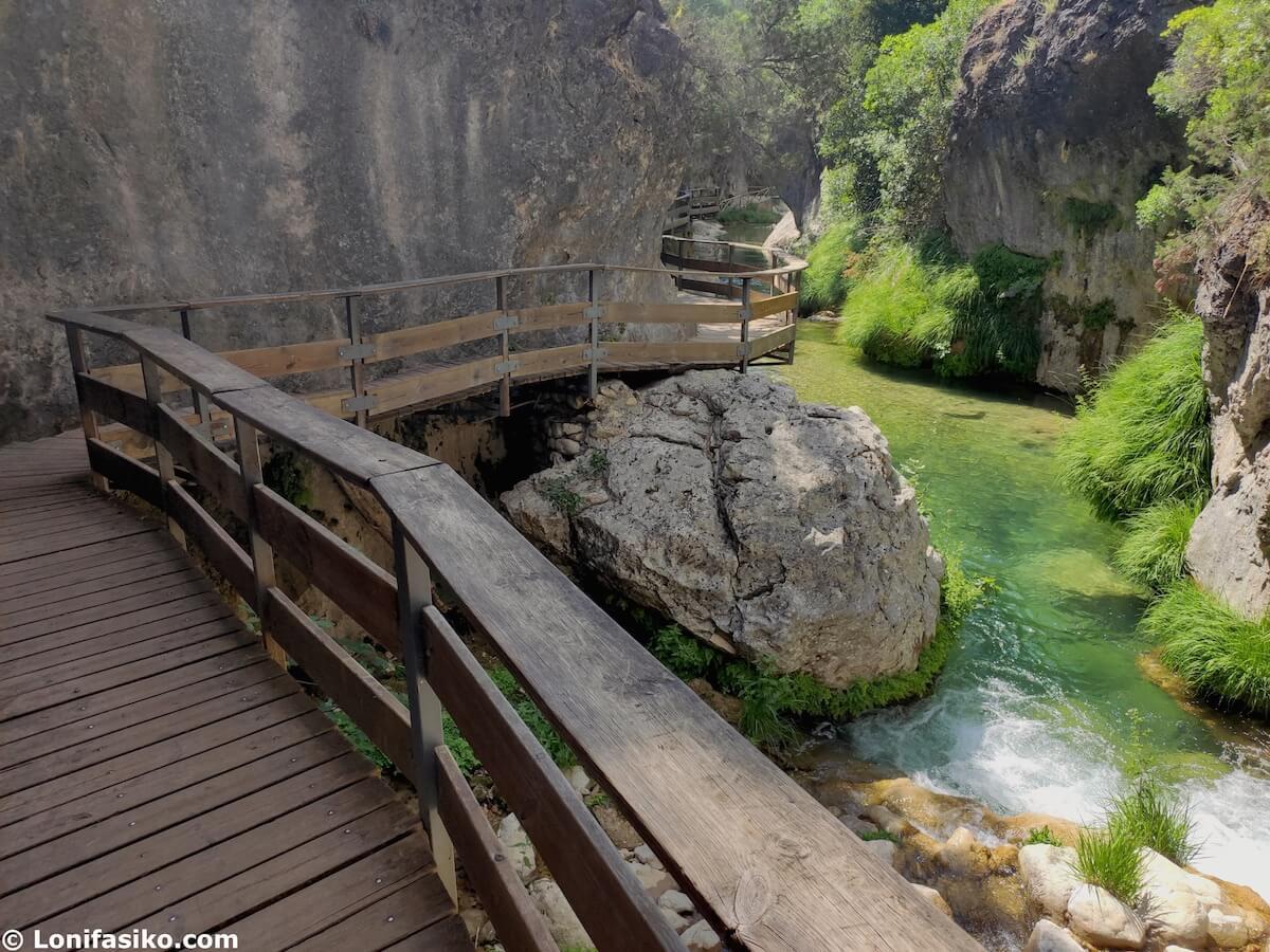 cerrada de elias pasarelas de madera ruta rio borosa