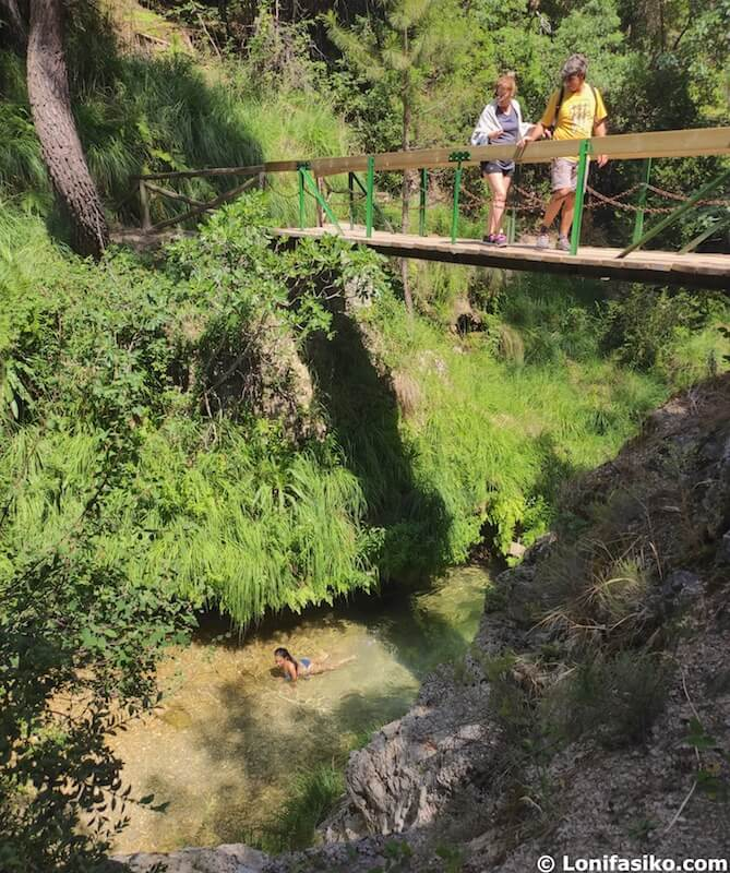 prohibido bañarse en el rio borosa