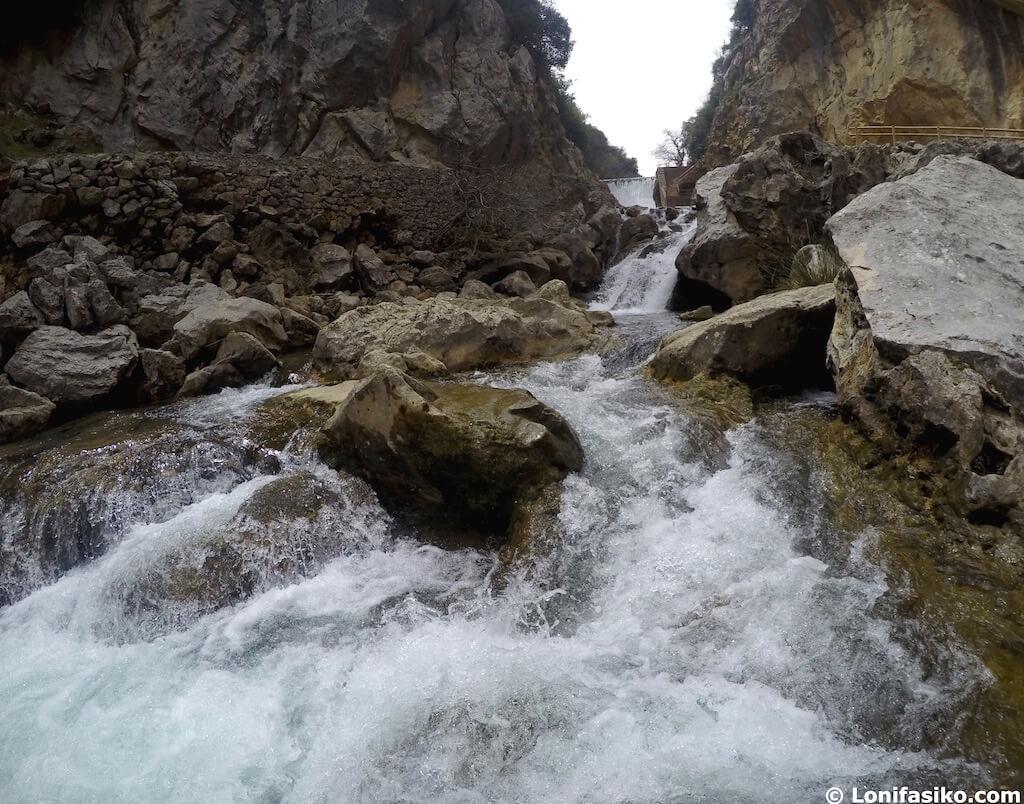 rio guadalquivir cerrada del utrero cazorla