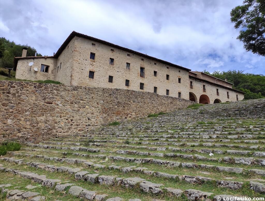 ermita de la virgen de lomos de orios sierra de cebollera