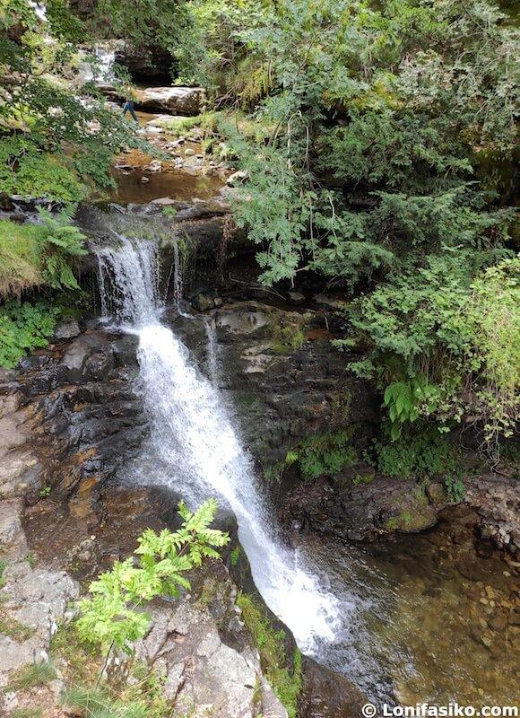 fotos cascadas puente ra en la rioja