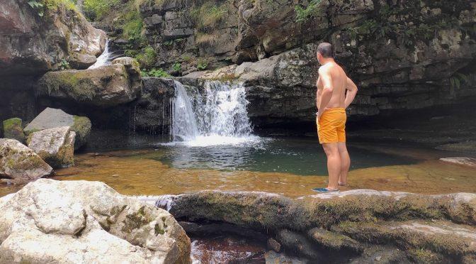 Ruta a las cascadas de Puente Ra en la Sierra de Cebollera