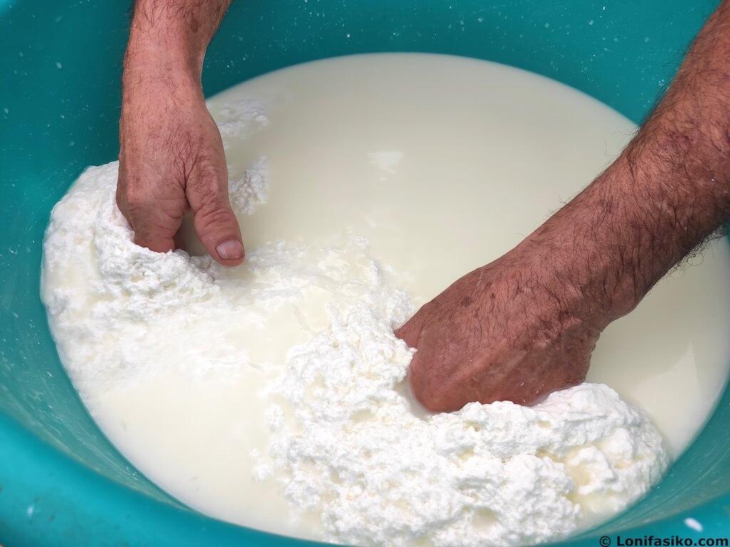 como hacer requeson queseria bikain navarra