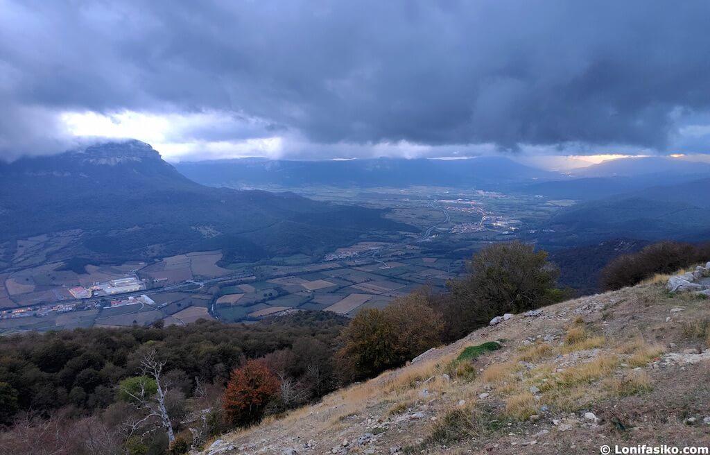Sakana desde el santuario de San Miguel de Aralar en Navarra
